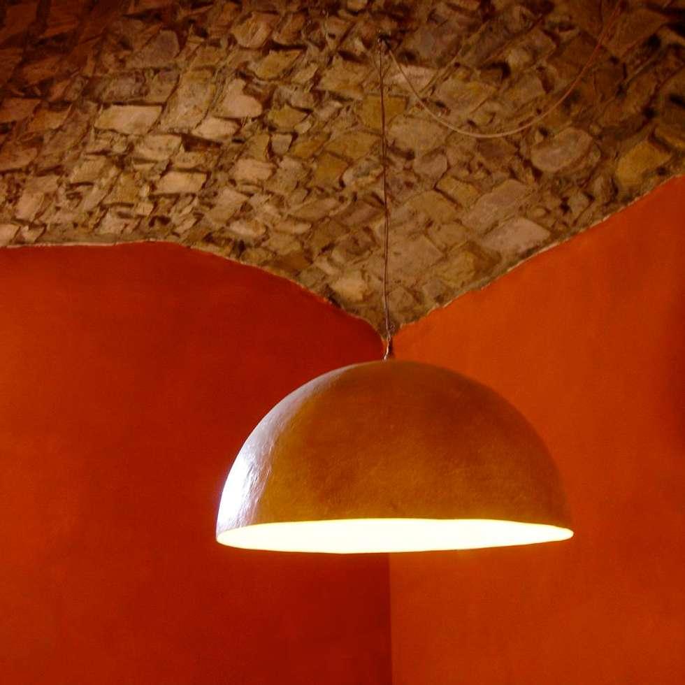 Casa in Val d'Intelvi: Sala da pranzo in stile in stile Classico di Pini&Sträuli Architects