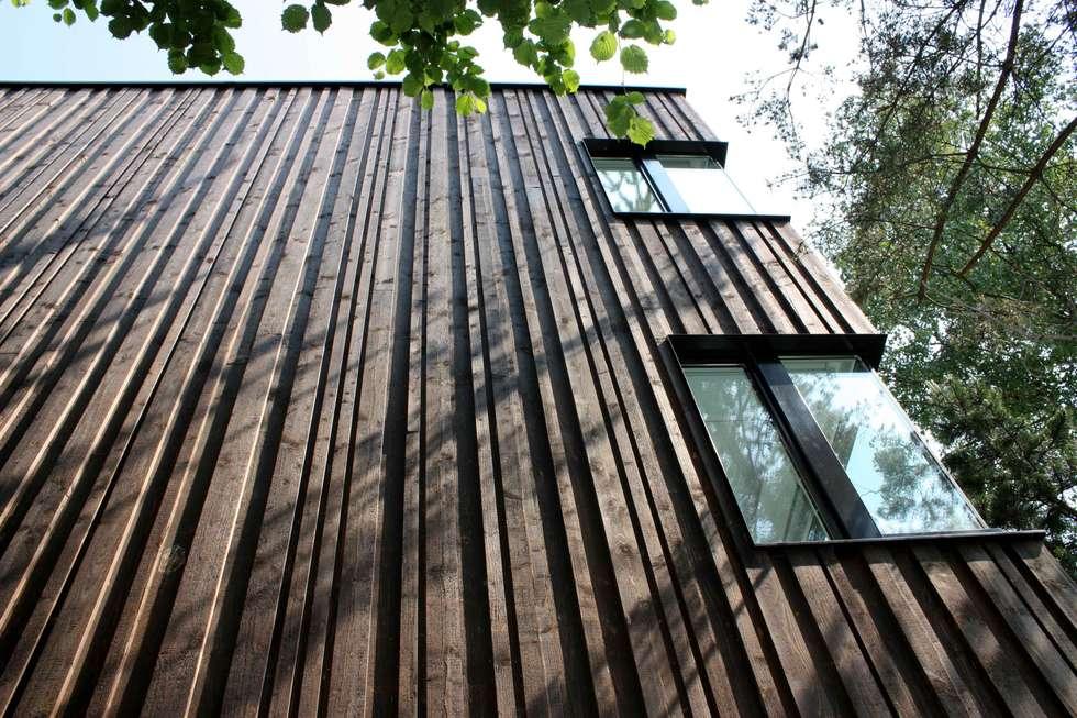 Casa a Basilea: Case in stile in stile Moderno di Pini&Sträuli Architects
