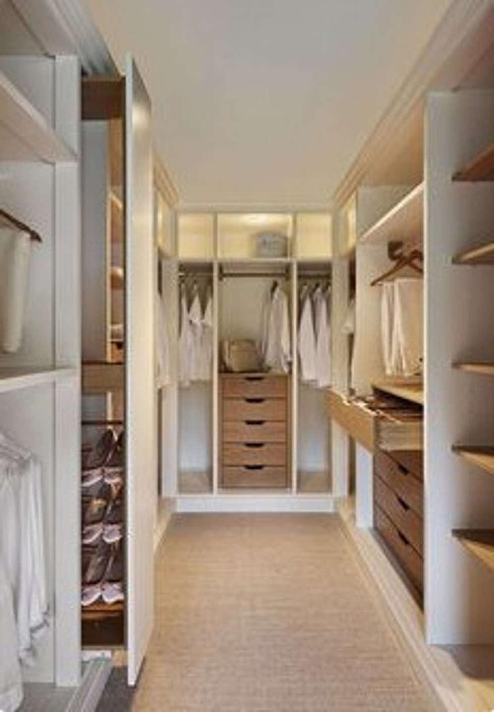 Walk In Cupboard: modern Bedroom by Nozipho Construction