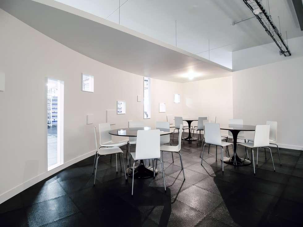 Aménagement de bureau: Bureaux de style  par Fabrice Commercon