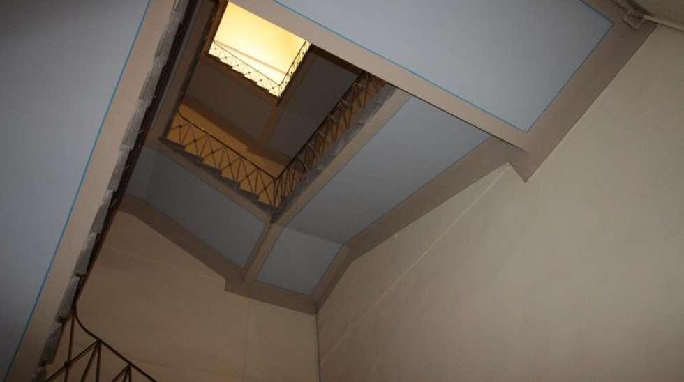 Lavori e interventi per Fabbricati Condominiali, Roma: Ingresso & Corridoio in stile  di USER WAS DELETED!
