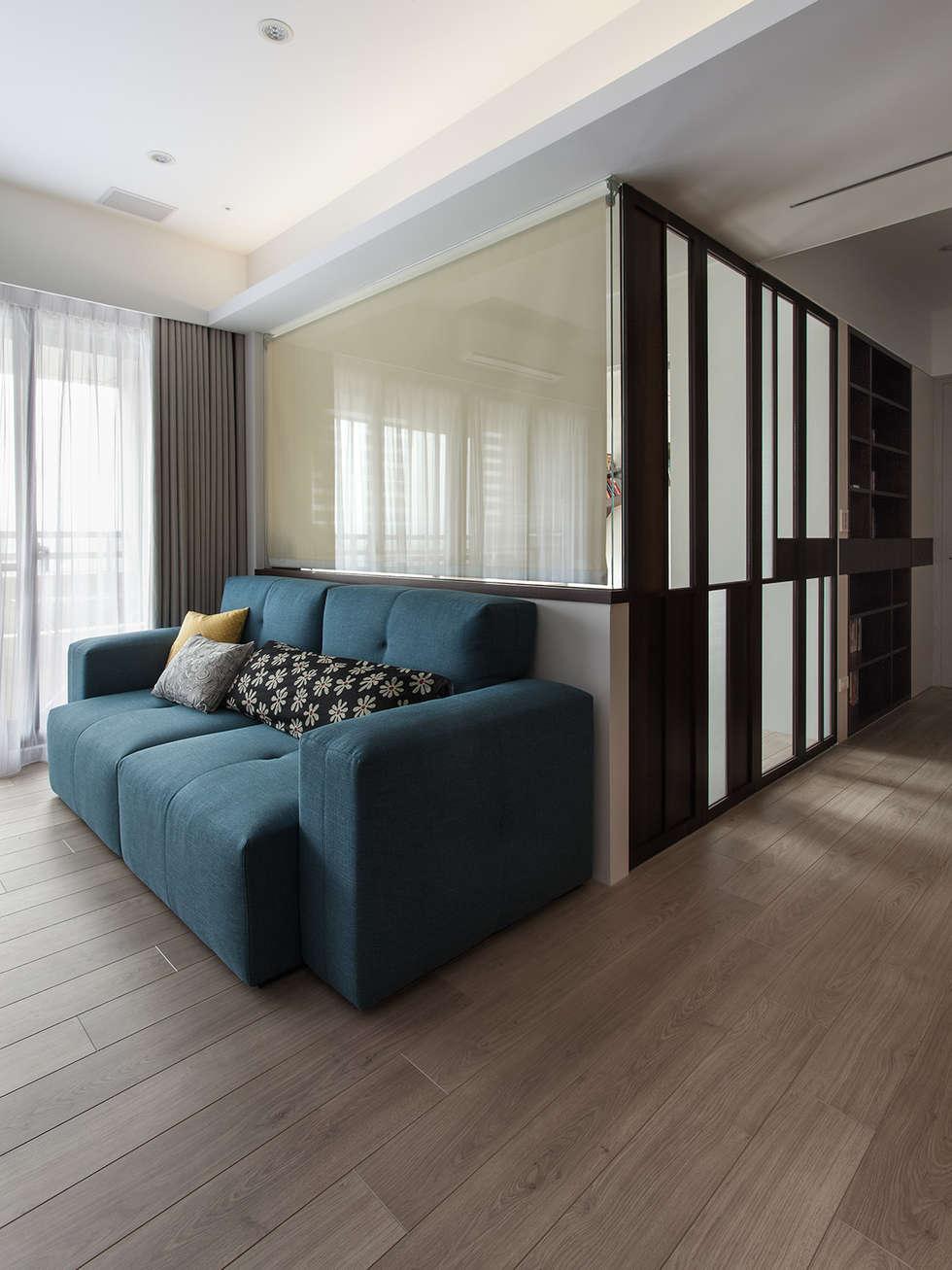 書房隔間規劃:  書房/辦公室 by 禾光室內裝修設計 ─ Her Guang Design