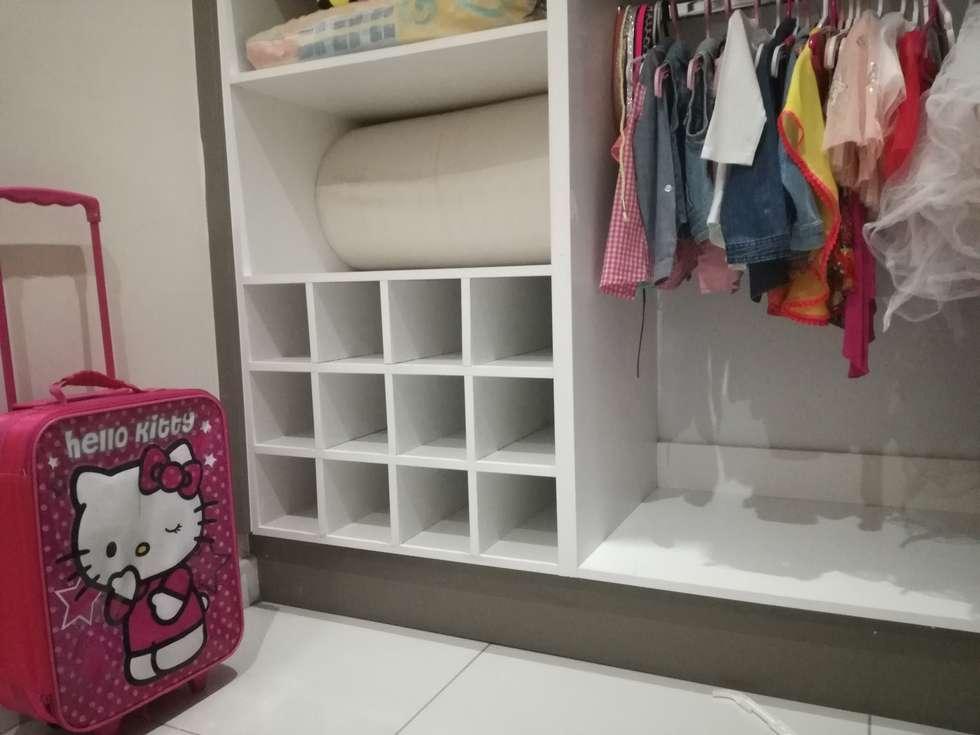 kids bedroom: modern Bedroom by Première Interior Designs