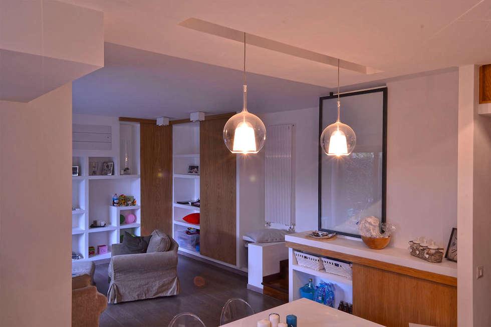 Casa AV – Ampliamento e sviluppo verticale:  in stile  di arch. Paolo Pambianchi
