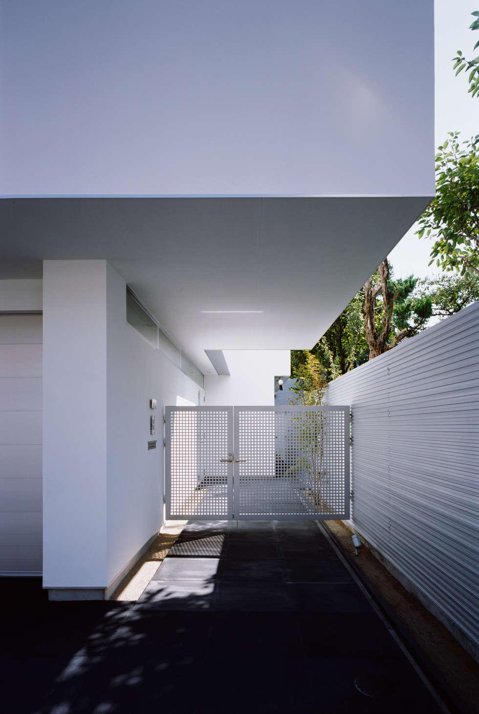エントランス: atelier mが手掛けた家です。