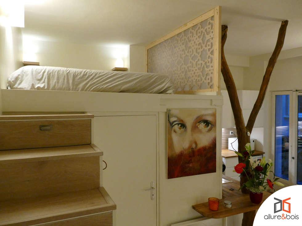 Séparation d'une chambre sur mezzanine de la cuisine : Chambre de style de style Méditerranéen par Allure et Bois