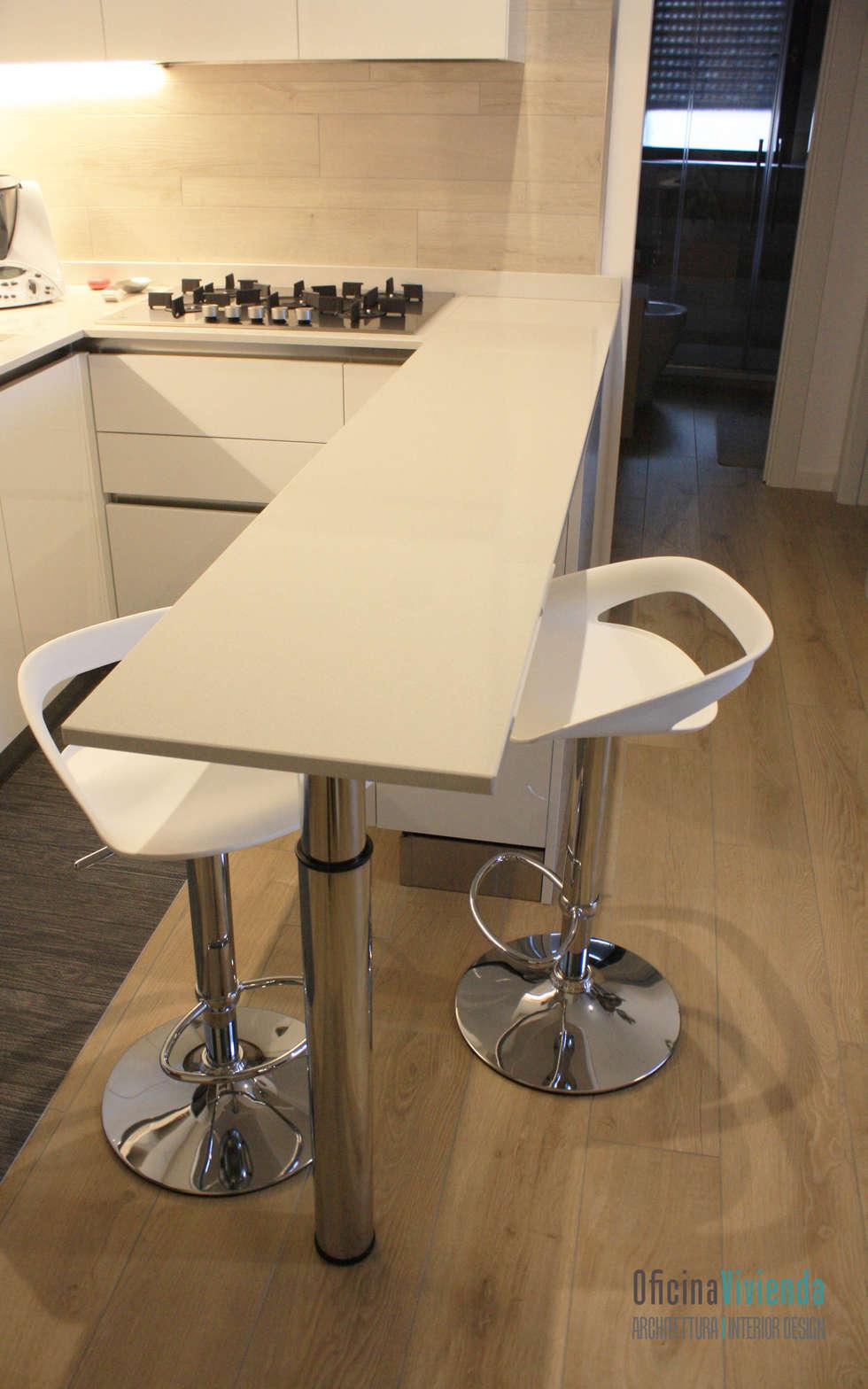 Un nido per due _ cucina: Cucina in stile in stile Moderno di OficinaVivienda _ architettura I interior design