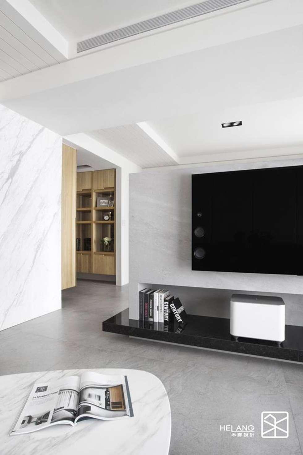 天花線條:  客廳 by 禾廊室內設計