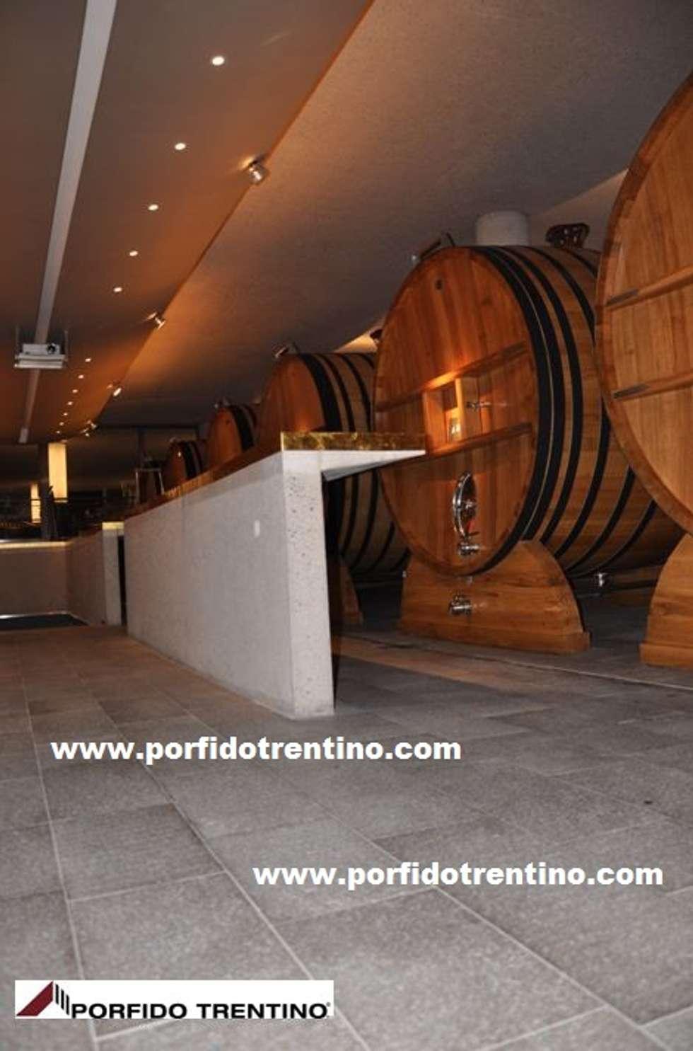 Pavimentazione per interni: Cantina in stile in stile Moderno di PORFIDO TRENTINO SRL