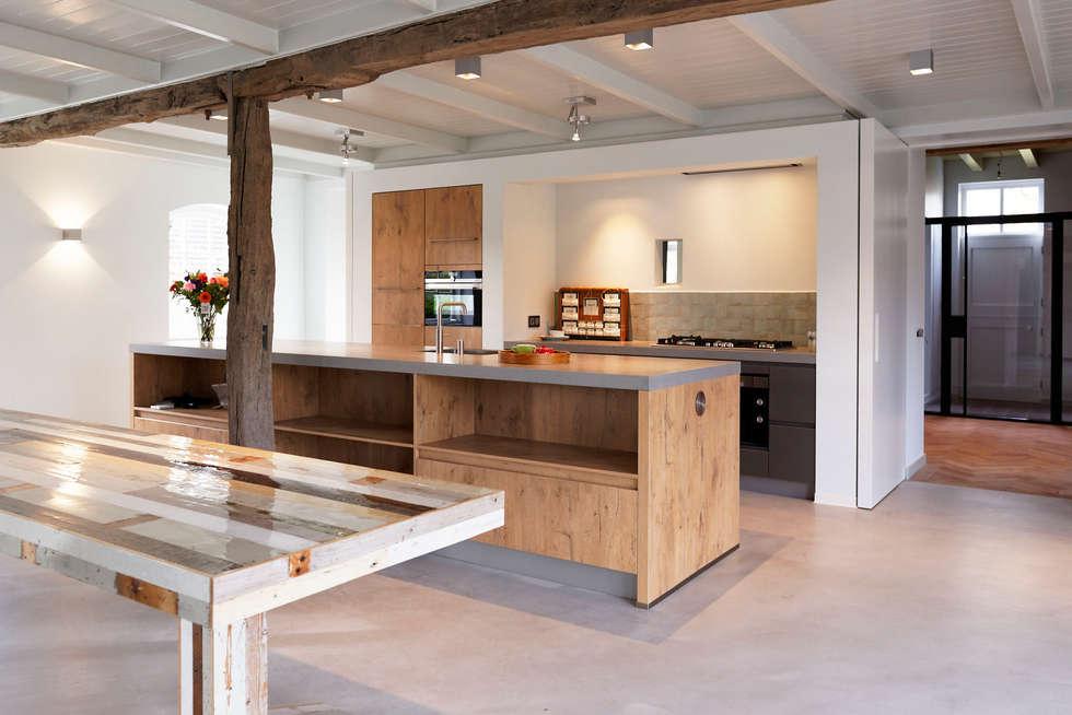 Stoere Landelijk Keuken : Stoere woonkeuken in stal landelijke keuken door odm architecten