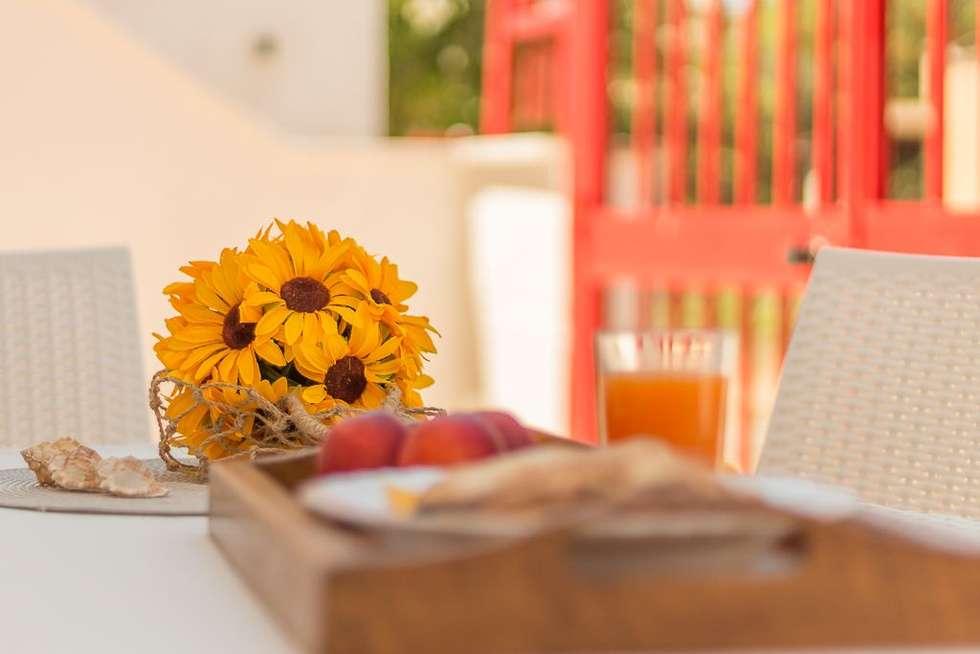 Casa Gaia: Giardino in stile in stile Mediterraneo di Anna Leone Architetto Home Stager