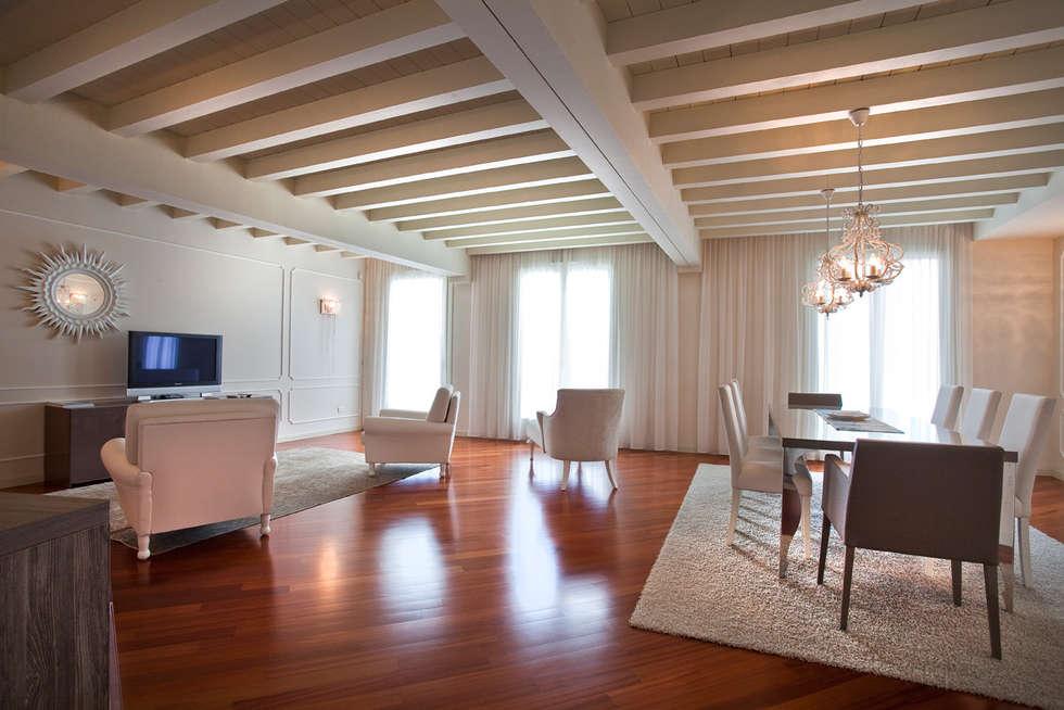 Living & relax: Soggiorno in stile in stile Moderno di Fab Arredamenti su Misura