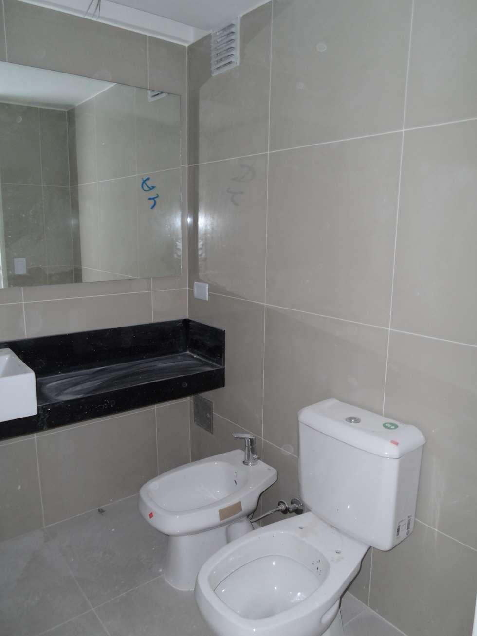 Baño del departamento: Baños de estilo moderno por NG Estudio
