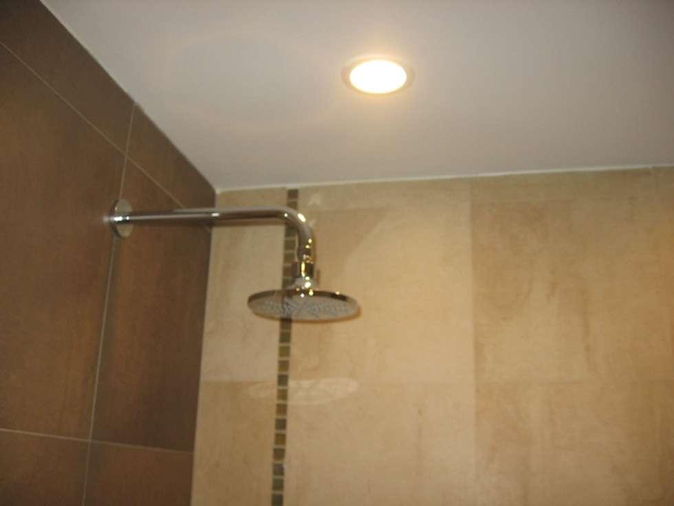 Ducha Baño.: Baños de estilo moderno por NG Estudio