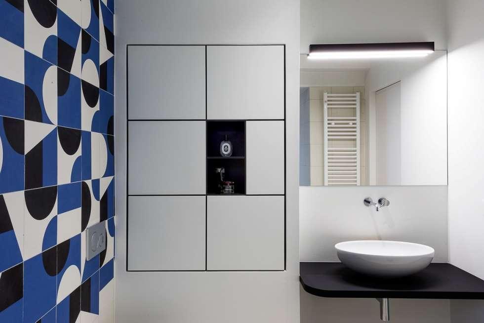 Il bagno principale: Bagno in stile in stile Moderno di Paola Maré Interior Designer
