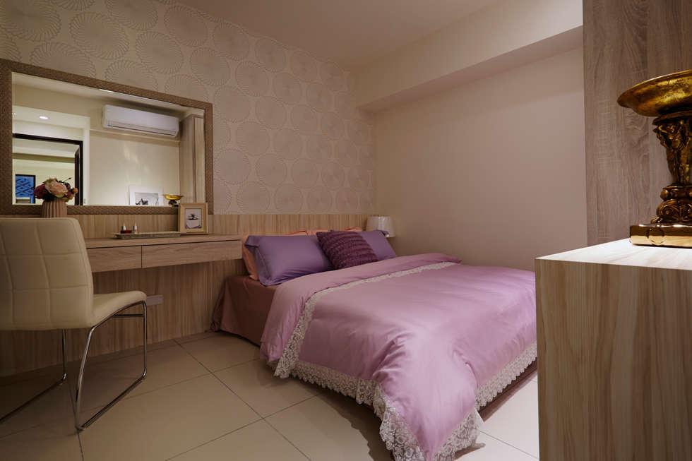 時尚奢華質感:  臥室 by 雅和室內設計