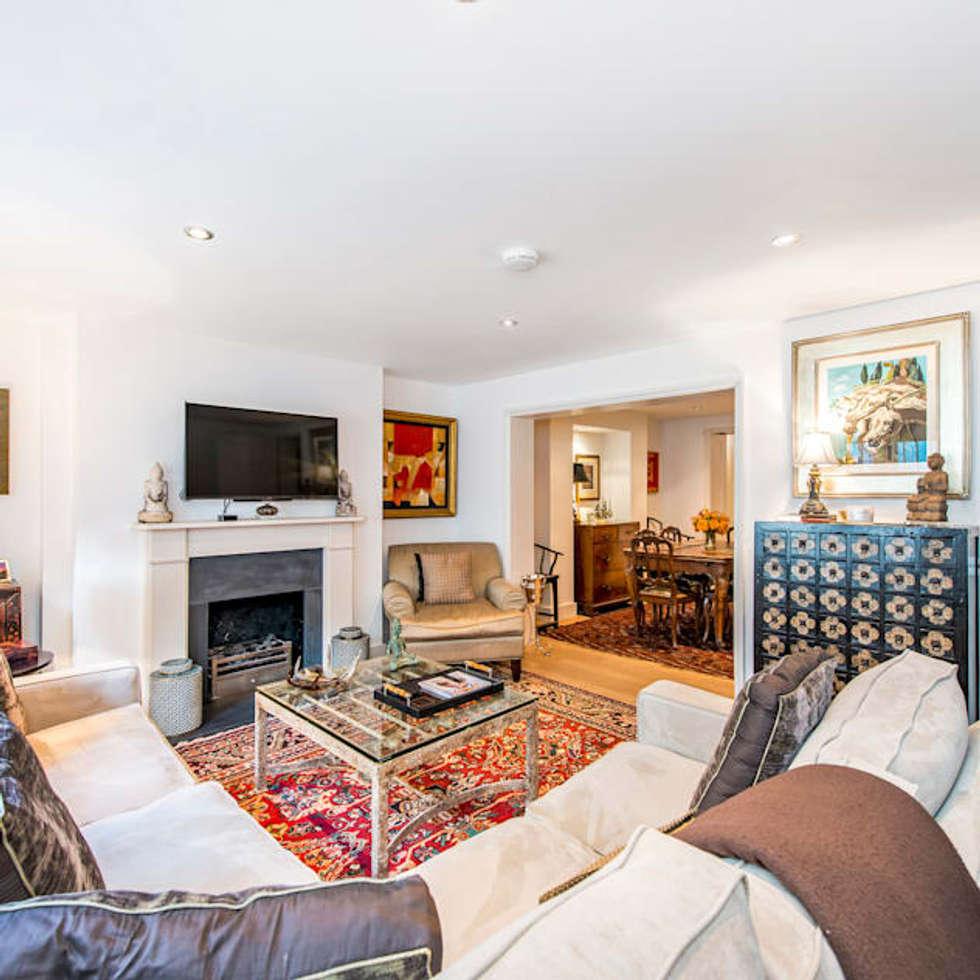 Living Room: modern Living room by John Doe Architects