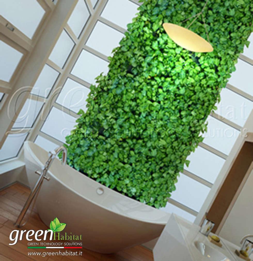 GIARDINO VERTICALE BAGNO: Bagno in stile in stile Moderno di Green Habitat s.r.l.