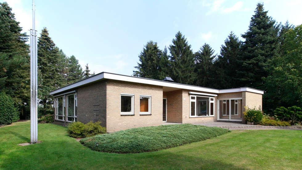 bestaande woonhuis: moderne Huizen door CHORA architecten