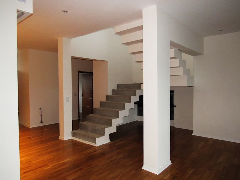 VIVIENDA EG: Escaleras de estilo  por BVS+GN ARQUITECTURA