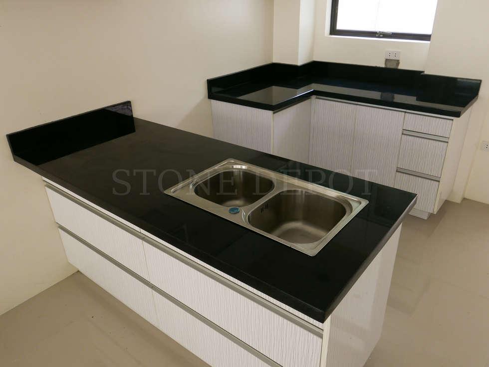 Absolute Black Granite Kitchen Countertop in Greenhills Subdivision, Mandaue City: modern Kitchen by Stone Depot