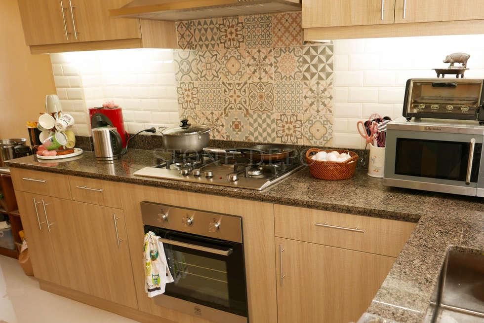 Marigold Granite Kitchen Countertop in Talamban, Cebu City: classic Kitchen by Stone Depot