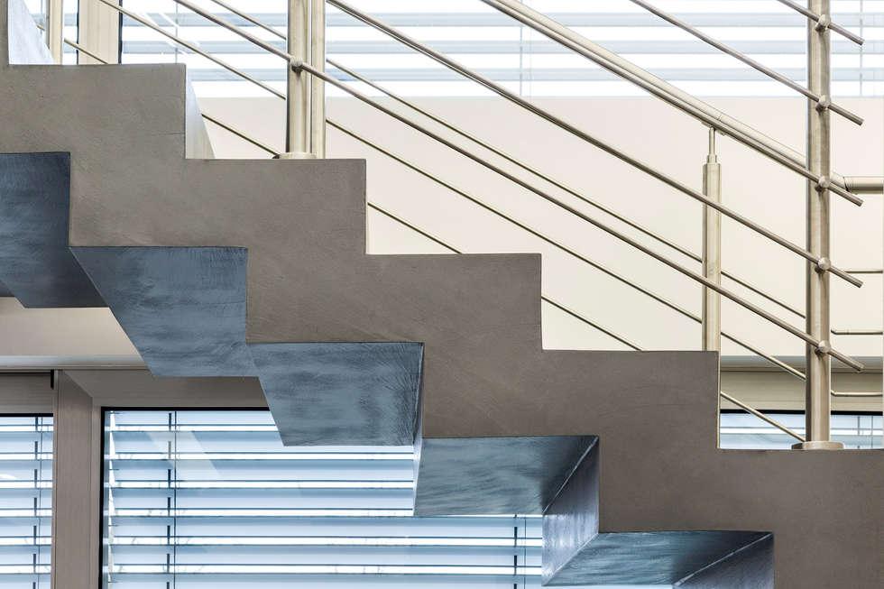 Casa PA: Scale in stile  di Elia Falaschi Photographer