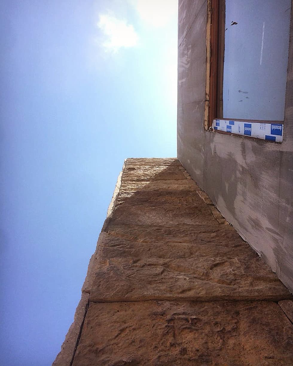 Proceso Instalación Piedra Reconstituida Construcción Vivienda Premium 115m2 Fundo Loreto.: Casas unifamiliares de estilo  por Territorio Arquitectura y Construccion