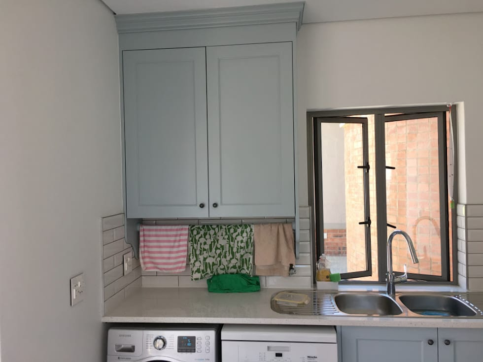 Pantry cabinet:  Built-in kitchens by Nick and Nelly Kitchens