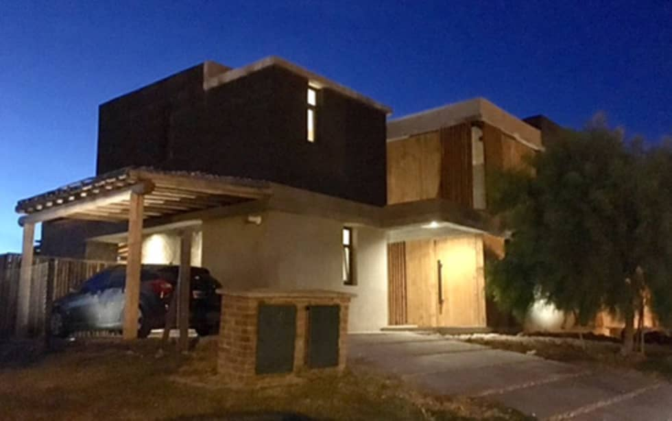 Casa ES: Casas unifamiliares de estilo  por FAARQ - Facundo Arana Arquitecto & asoc.