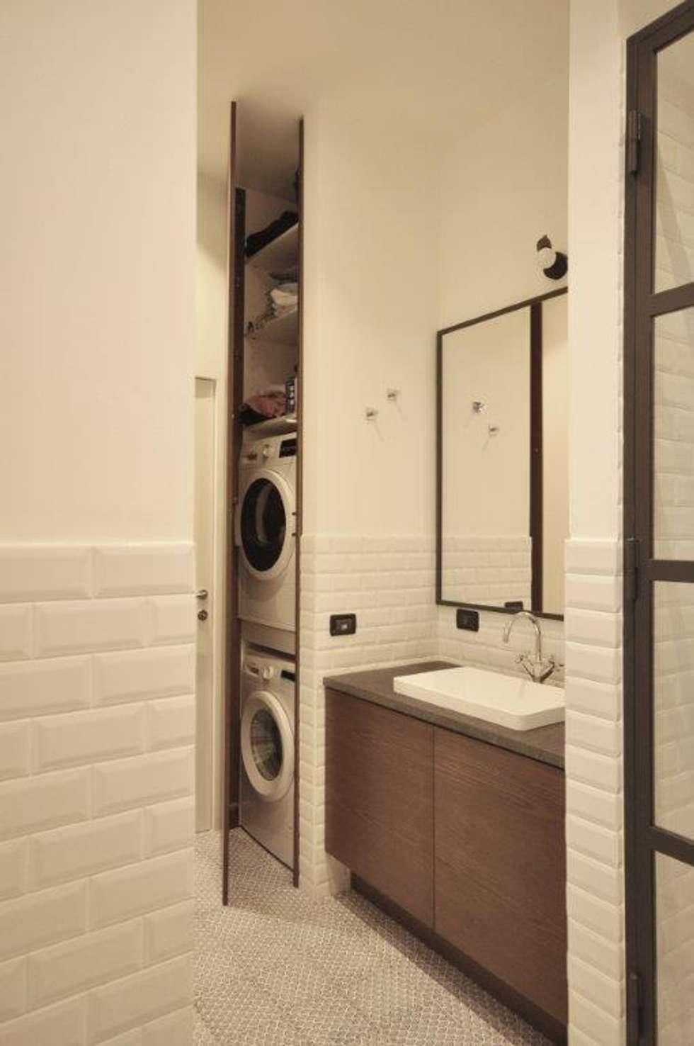 bagno industriale: Bagno in stile in stile Industriale di Arch. Silvana Citterio