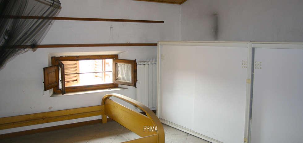 Camera: PRIMA.: Camera da letto in stile in stile Moderno di Rifò