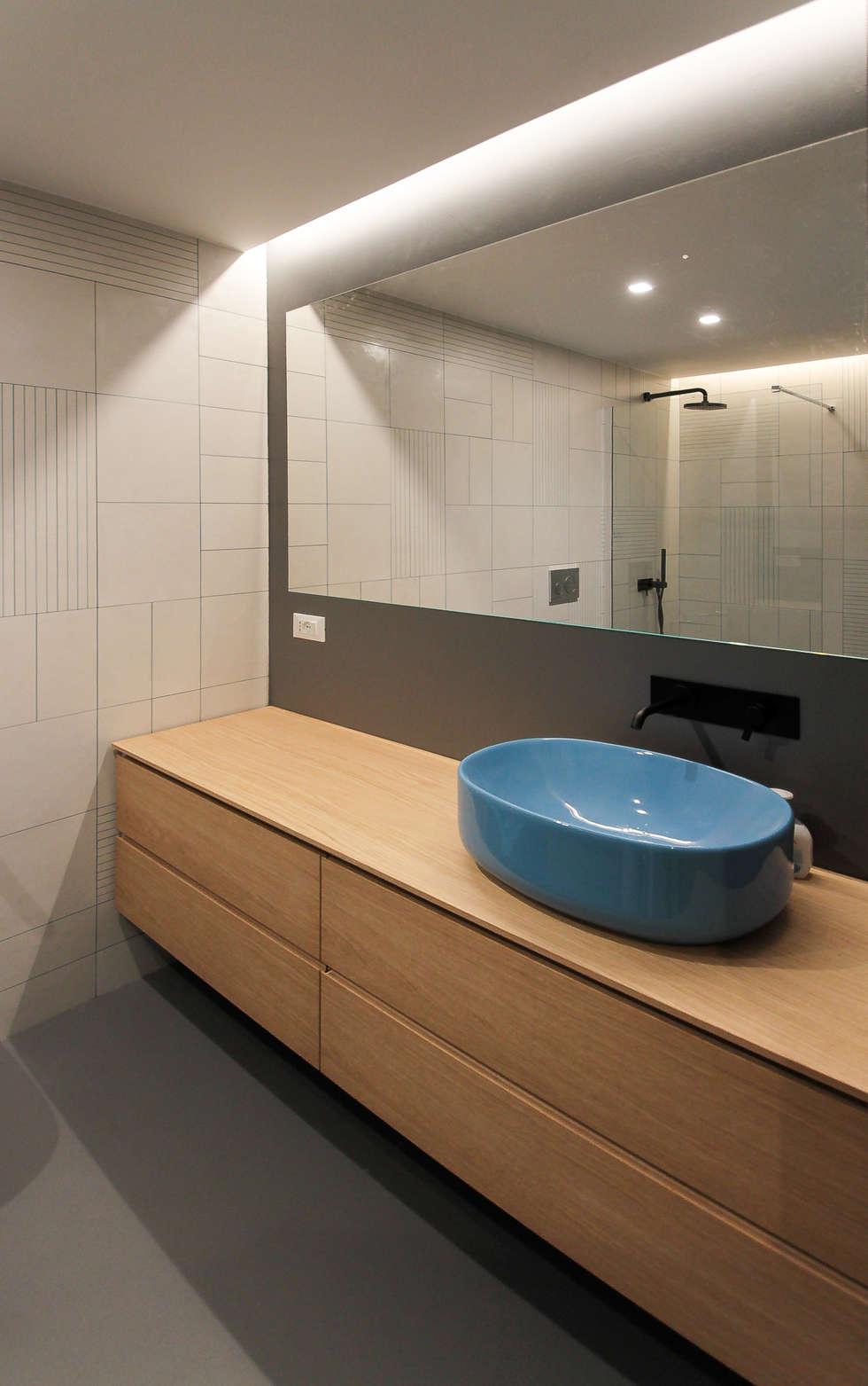 Area lababo: Bagno in stile in stile Minimalista di GDArchitetture