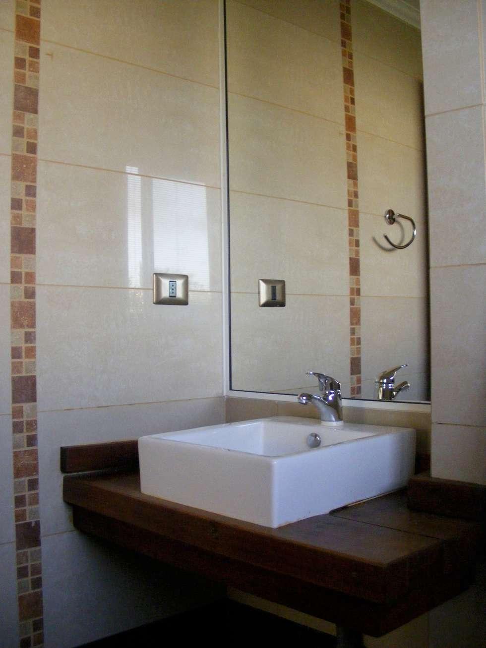 Baño Dormitorio 2: Baños de estilo colonial por Casabella