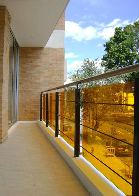 Eificio C57-Balcon: Terrazas de estilo  por RIVAL Arquitectos  S.A.S.