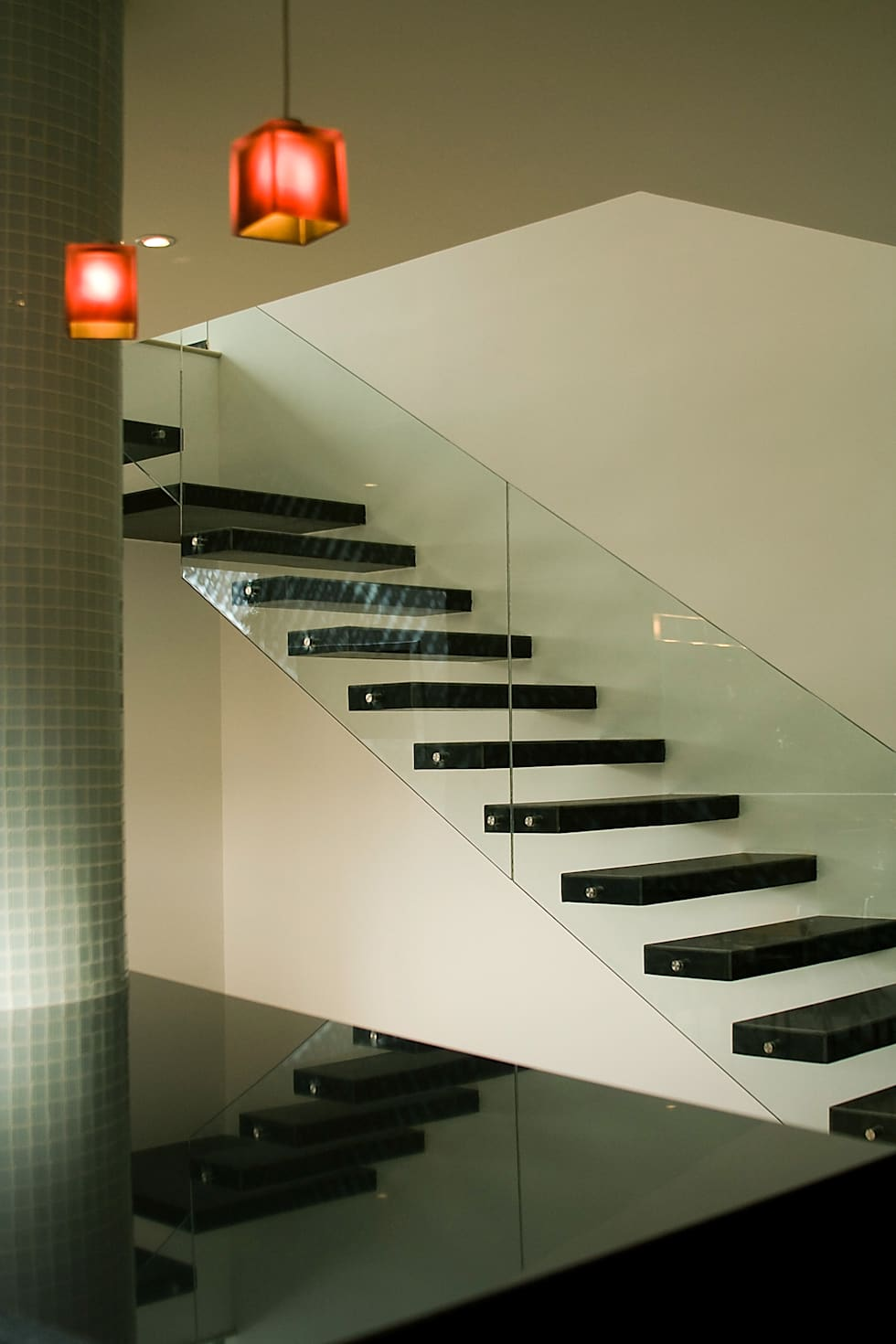 Pent House  RuizPerez-Escalera: Escaleras de estilo  por RIVAL Arquitectos  S.A.S.