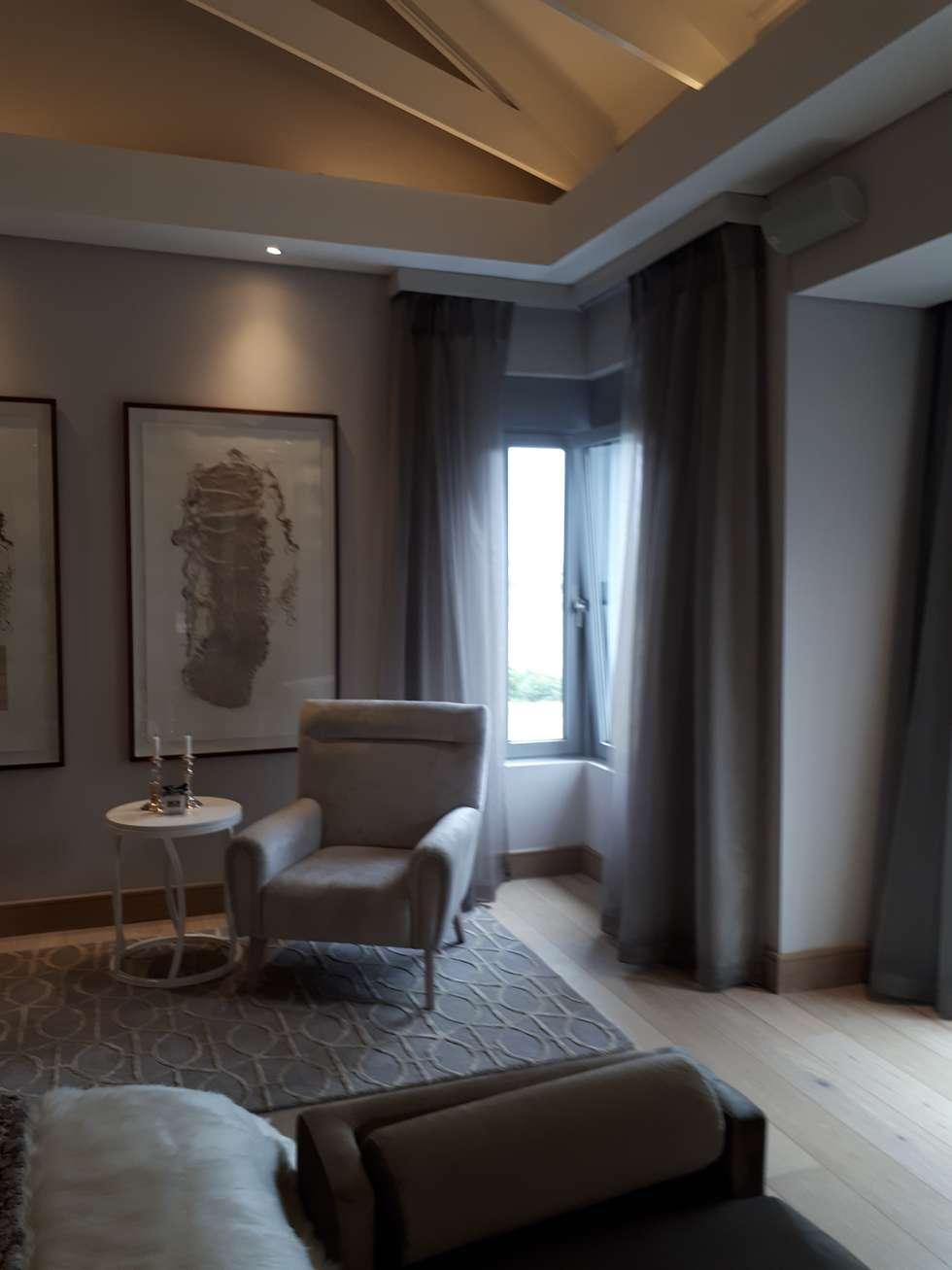 Bedroom Sheer Curtains and Blockout: modern Bedroom by Elliott Designs Studio