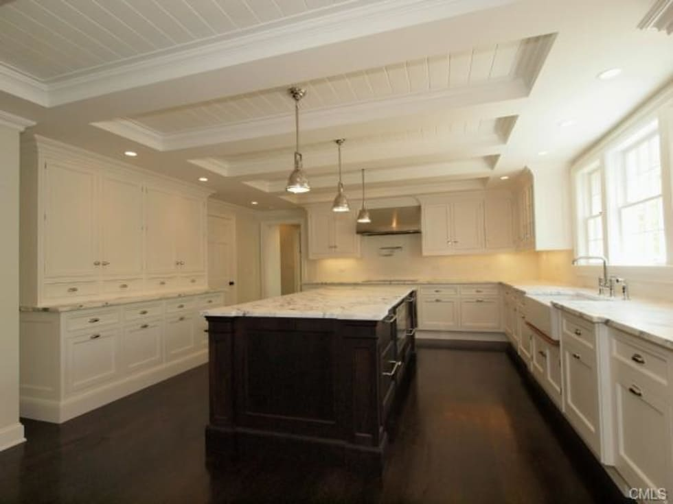 New England style kitchen by Lichelle Silvestry: Cuisine de style de style Moderne par Lichelle Silvestry