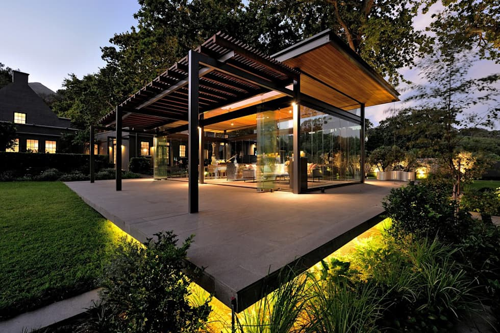 Residential Outdoor Landscape lighting design:  Garden Shed by Elettrico Lighting LLC