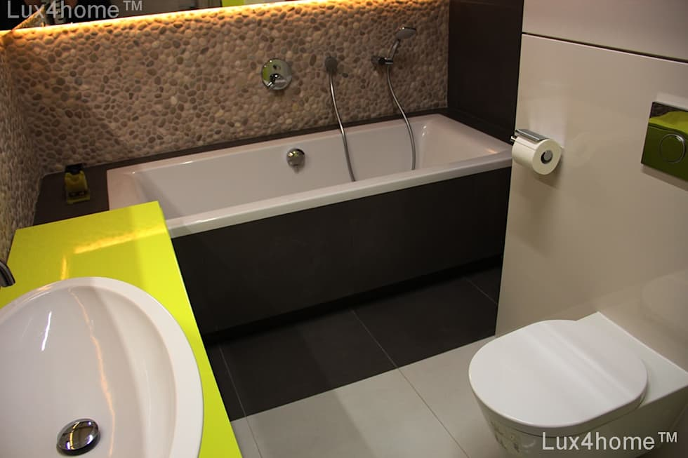 scandinavian Bathroom by Lux4home™ Indonesia