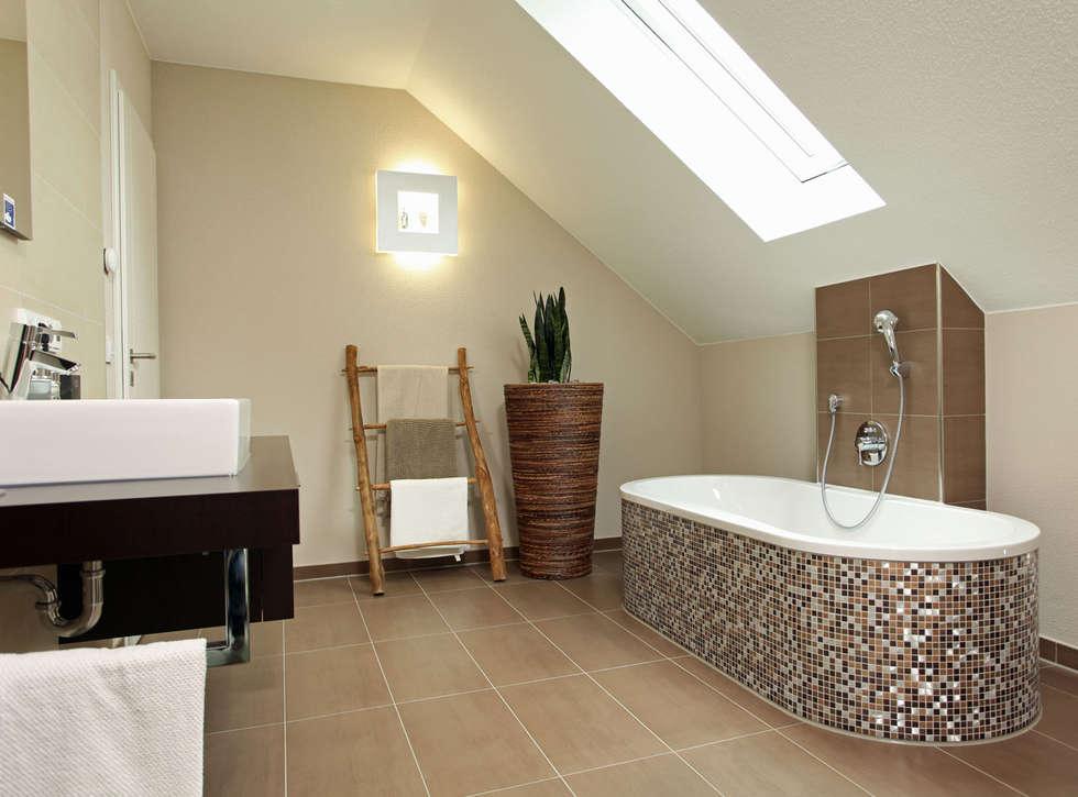 VIO 450   Eine Kleine Wellnessoase Mit Einer Ebenerdig Begehbaren Dusche  Und Einer Freistehenden Badewanne: