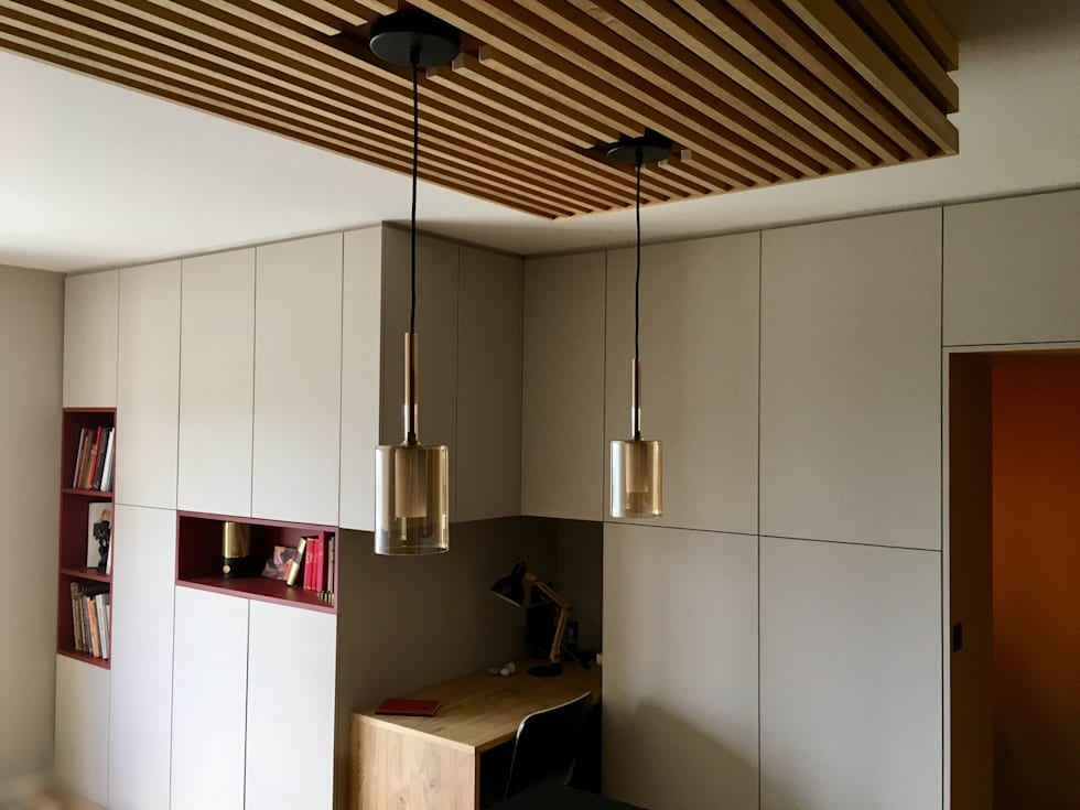 Espace de rangement et bureau: Salon de style de style Moderne par HOME feeling