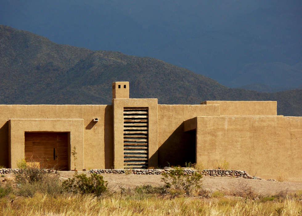 AlPasion   Exteriores: Hoteles de estilo  por Bórmida & Yanzón arquitectos