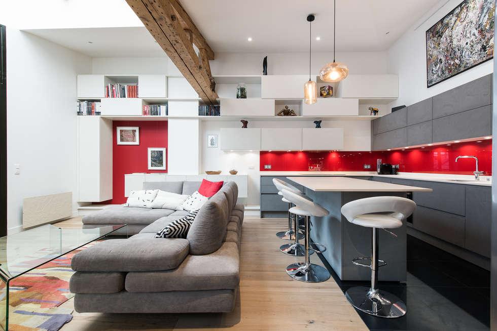 室內設計點子房屋裝修與改造的照片 Homify - La cuisine dans le bain