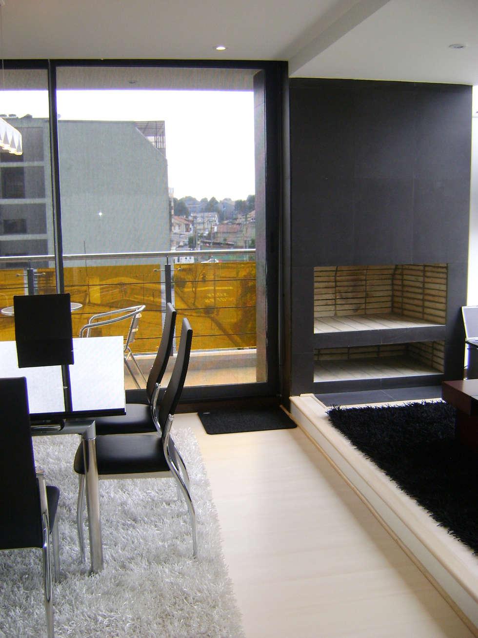 Pent House  RuizPerez-Chimenea: Salas de estilo moderno por RIVAL Arquitectos  S.A.S.