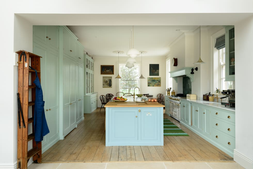 classic Kitchen by deVOL Kitchens