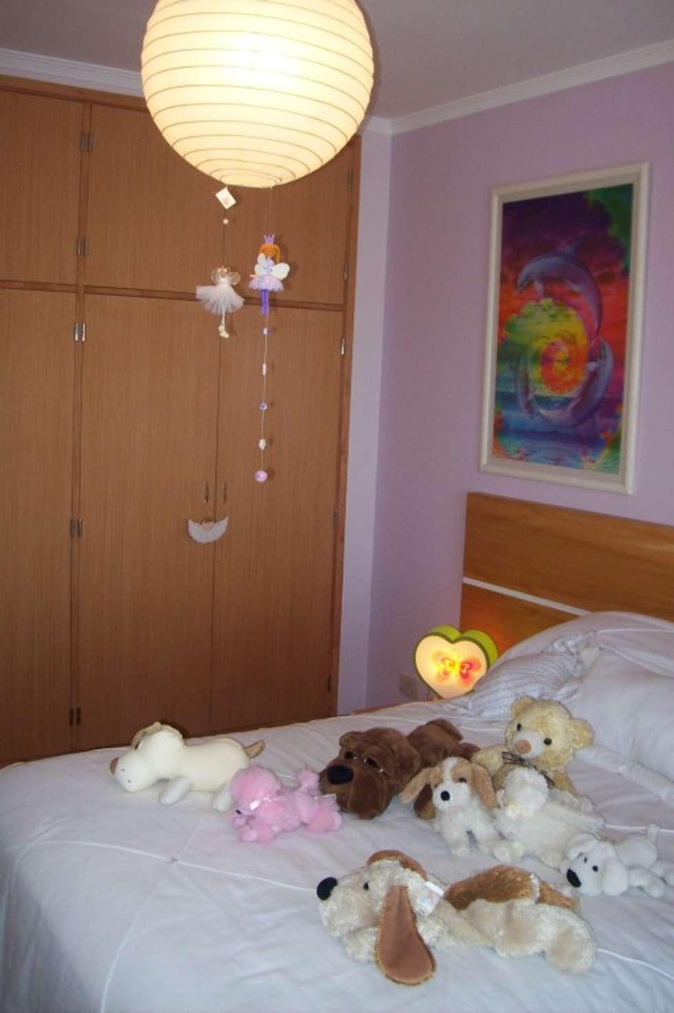 Dormitorios infantiles de estilo moderno por Romina Sirianni