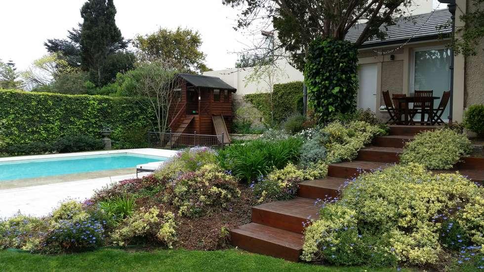 Despues: Jardines de estilo clásico por Vivero Antoniucci S.A.