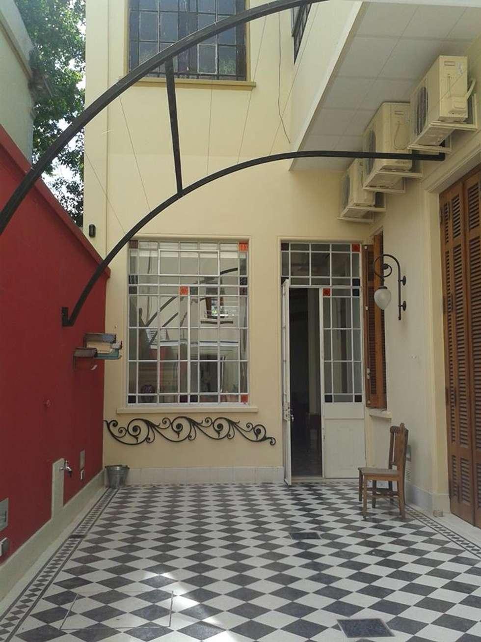Patio terminado!: Casas de estilo moderno por arq.c2