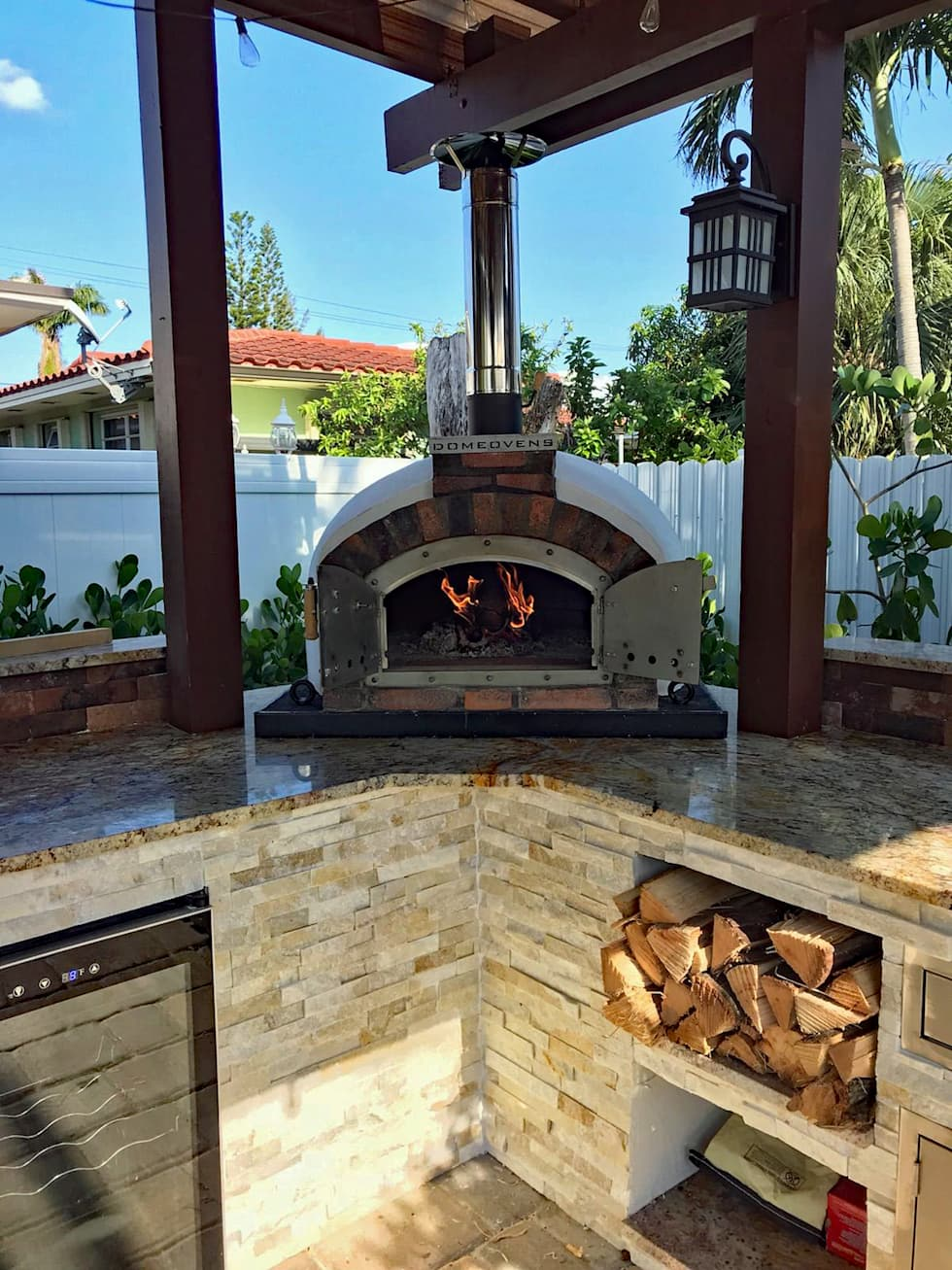 Pizza oven:  Patios by Dome Ovens™